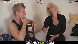 Mature blonde gets her shaved old pussy drilled