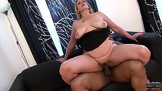 Hairy poon granny gets interracial boned by big black prick and takes cum