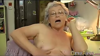 OmaPasS Naked Grandma Showoff Hairy Footage