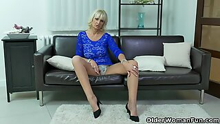 Busty mature Kaylea needs getting off badly