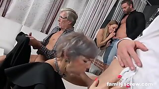 Swinger Family Cums by the Club