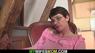 hairy pussy milf inlaw swallows his cheating big penis