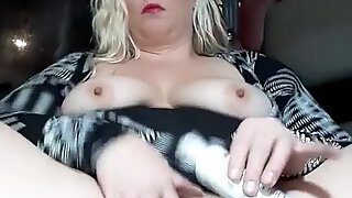MistressNichole35 is a milf wife who creams while fantasizing about Mossimo'_s monster white cock as husband films